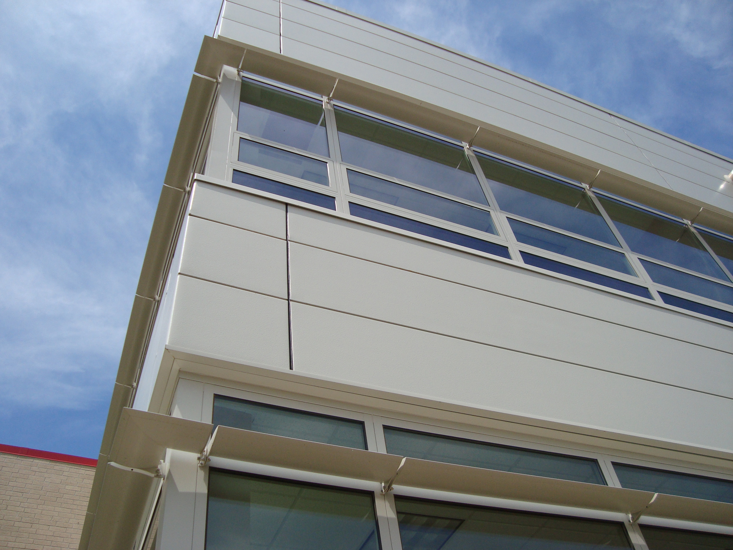 Wausau 39 S Clear Story Exterior Sun Shades And Interior Light Shelves Maximize Natural Light And